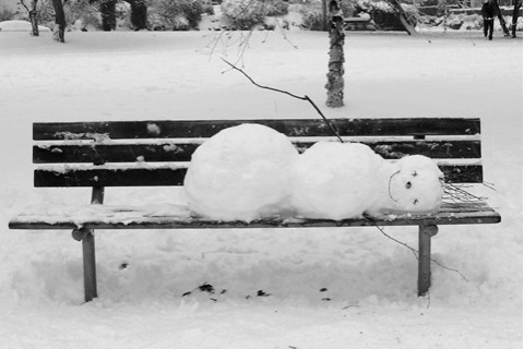 PIX-Sleeping_Snowman_790-0021